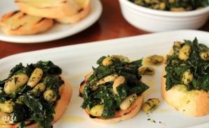 Lacinato Kale Pesto and Cannellini Bean Crostini_IMG_9265_E