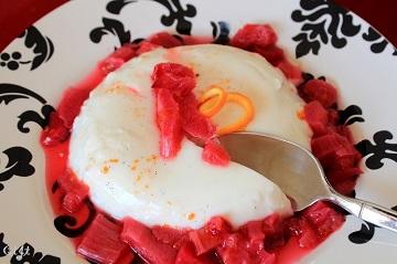 Rhubarb and orange topped panna cotta IMG_9655_E_sm_360px