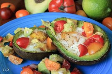 eggs baked in avocado 9822 e (1 of 1)_360px
