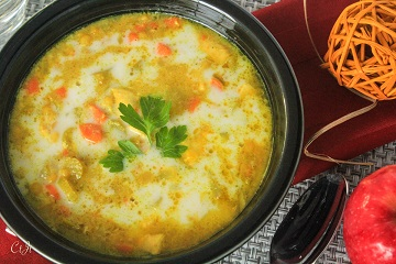 mulligatawny-soup-with-chicken-and-gala-apples_1233e-1-of-1_360