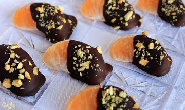 chocolate-dipped-satsumas-with-chopped-pistachios_360