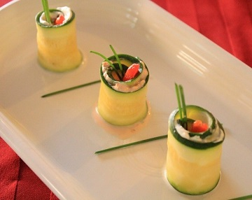 zucchini-roll-ups-with-herbed-cheese-and-red-pepper-relish